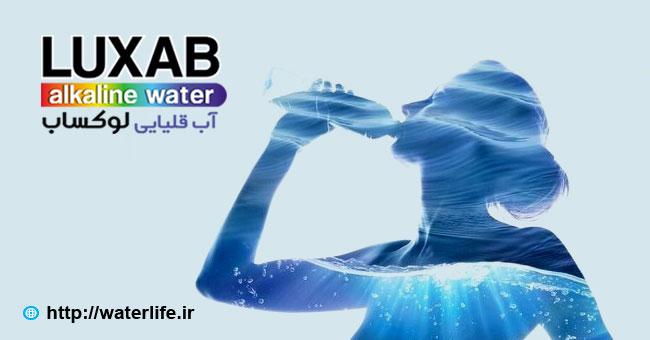 چه چیزی آب قلیایی را متفاوت می کند؟